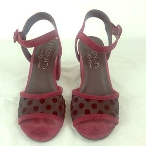 COCONUTS by MATISSE HEELED Sandals Size 7 Maroon